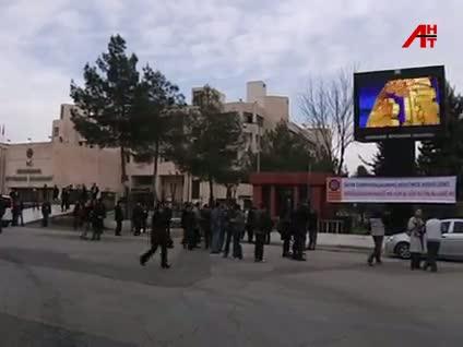 """""""Devletin resmi Türkçe'dir"""""""