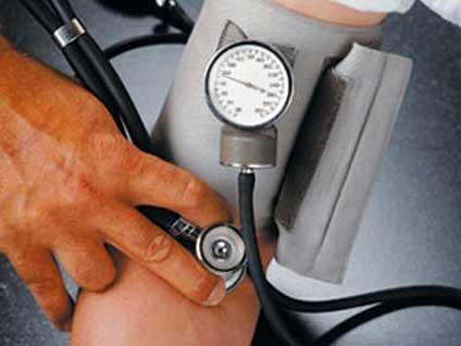 Hipertansiyon tedavi edilmezse hangi hastalıklara yol açar?