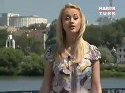 Rus muhabirin güldüren sakarlığı