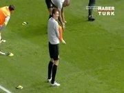 Edin Dzeko'dan Balotelli taklidi!