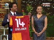 Beyaz'a Sneijder sürprizi!