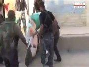 El Nusra Öcalan posterini indirip çiğnedi