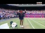 Serena Williams kolbastı oynadı