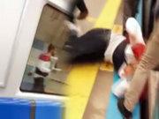 Metro savaş alanına döndü!