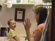Çocuğu ilk kez konuşan anne!