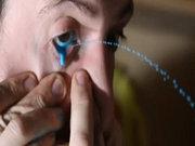 Gözyaşını sanata dönüştüren ressam!