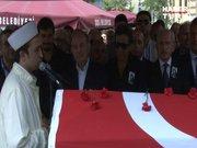 Çolpan İlhan'ın cenazesinde şok