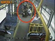 İstanbul'da otobüse molotoflu saldırı