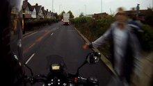 /video/eglence/izle/motosikletliyi-tokatlayan-yaya/128262