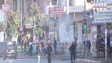 Okmeydanı'nda polise molotoflu saldırı