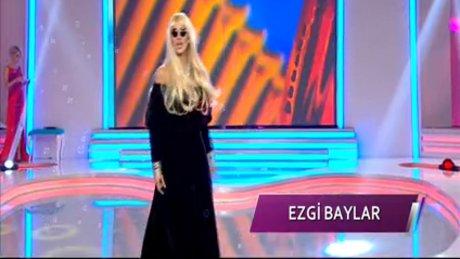 Ezgi Baylar'dan Zerrin Özer taklidi
