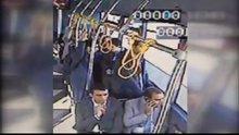 Eski sevgilisine otobüste kurşun yağdırdı