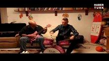 Oyuncaklar ile metal müzik yapmak!