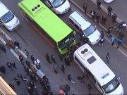 Diyarbakır'da cadde ortasında dehşet anları!