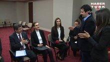 Başbakan Davutoğlu işaret diliyle konuştu