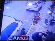 Gaziosmanpaşa'daki silahlı saldırı anı kamerada