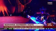 Madonna sahneden böyle düştü!