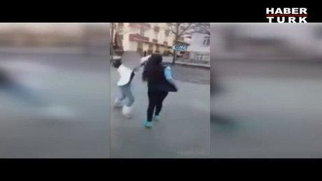 Liseli kızlar böyle kavga etti!