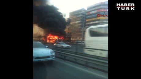 Metrobüs alev alev yandı!