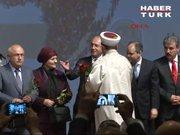 Kılıçdaroğlu ve Davutoğlu'ndan gül jesti