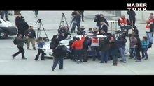Taksim'de gözaltı!
