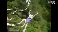 /video/eglence/izle/bungee-jumping-yapan-adama-esek-sakasi/139915