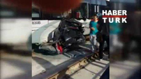 Feci kaza! Tramvay aracı biçti