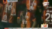 Sneijder'den 'Fener ağlama' şarkısı!