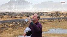 Rüzgara karşı su içmeye çalışınca...