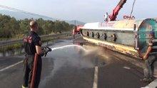 İzmir'de tanker devrildi
