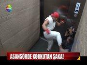 Asansörde korkutan şaka