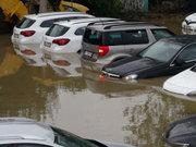 Kartal'da yağış felç etti!