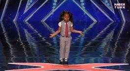 Yeteneksizsinize katılan küçük kız jüriyi şaşırttı