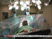 Ameliyatta piyano çaldı