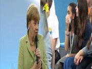 Merkel kızı ağlattı