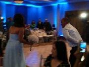 Gelini ilk dansta hastanelik eden damat
