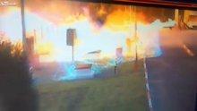 Benzin istasyonu patladı!