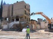 Gaziantep'te bina yıkımı kameralara yansıdı!