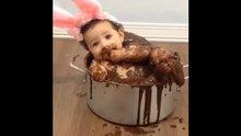 Bebeğin çikolata sevgisi