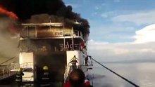 Filipinler'de iki katlı feribotta yangın çıktı