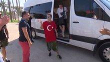 İnna, Türk bayraklı tişört giydi, ağaç dikti