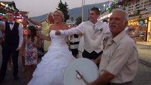 İngiliz çifte Türk usulü düğün