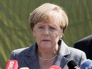 Merkel'e aşırı sağcı protestosu