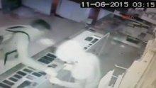1 Dakikada hırsızlık güvenlik kamerasında