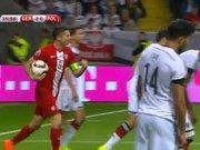 Polonya Lewandowski'yle golü buldu