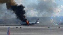 Uçağın motoru alev aldı