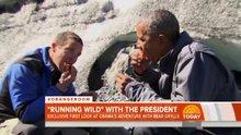 Obama vahşi doğada somon balığını yedi