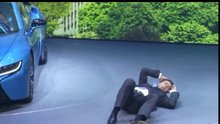 BMW CEO'su yere yığıldı
