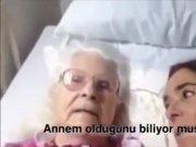 Alzheimer Hastası Annenin Kızını Hatırlaması