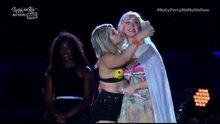 Katy Perry'ye sahnede taciz şoku!